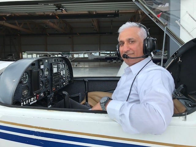 Mr. El Soukitried to pursue his work as a pilot and flight instructor